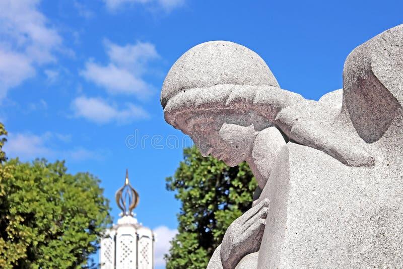 Monument aan miljoenen slachtoffers van de Grote Hongersnood in 1932-1933 stock afbeelding