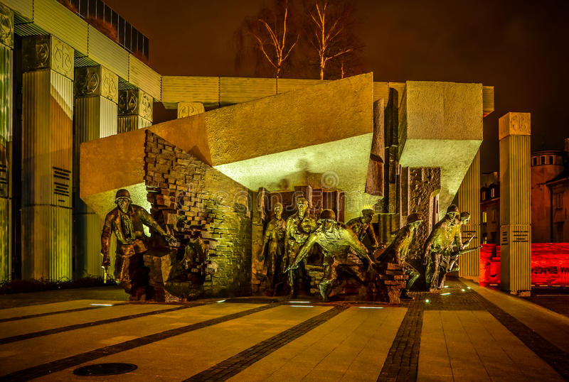 Monument aan Poolse vechtersopstand in Warshau Polen op 6 DECEMBER, 2015 stock afbeeldingen