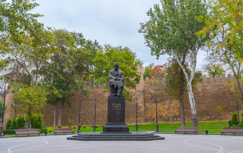 Monument aan Sabir in Baku stad royalty-vrije stock foto