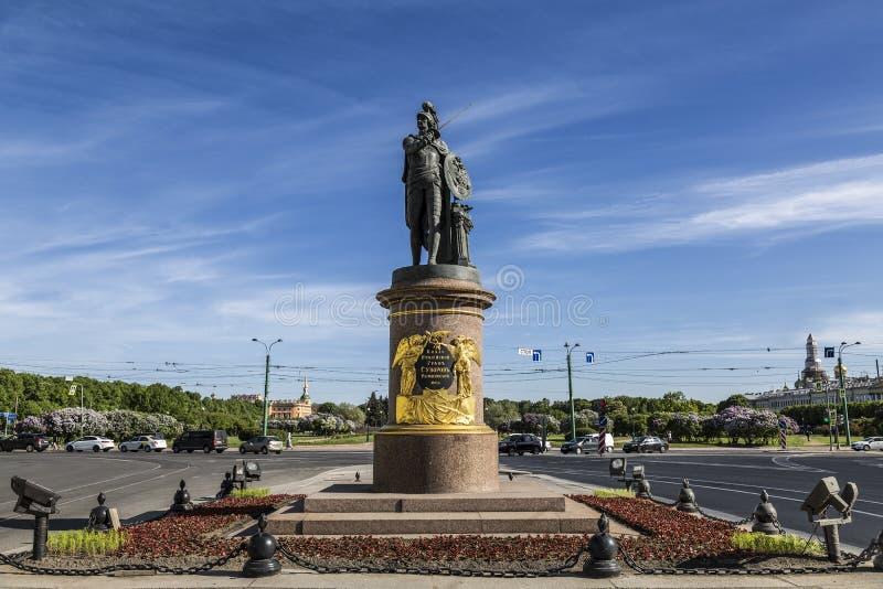 Monument aan monument suvorov-A aan de Russische bevelhebber, Generalissimo Alexander Suvorov in St. Petersburg royalty-vrije stock fotografie