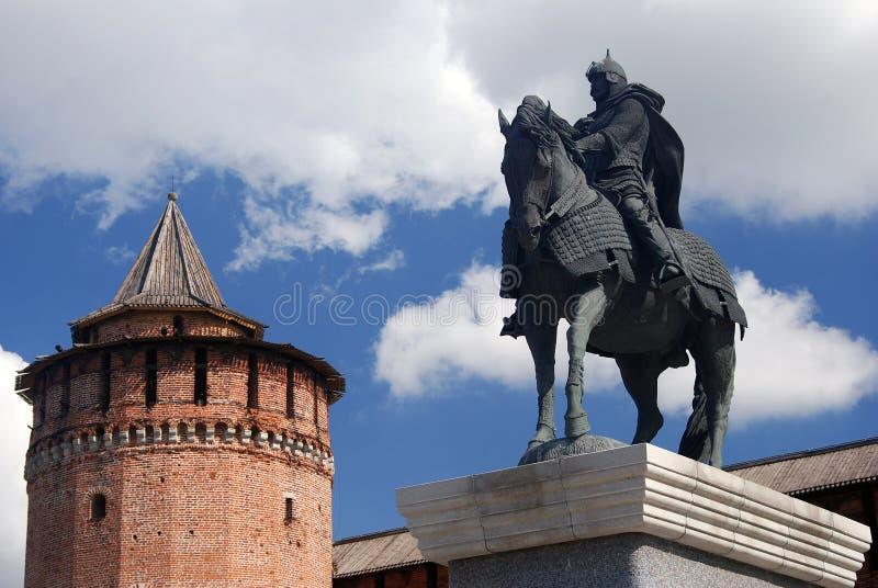 Monument aan Yuri Dolgorukiy Het Kremlin in Kolomna, Rusland royalty-vrije stock afbeelding