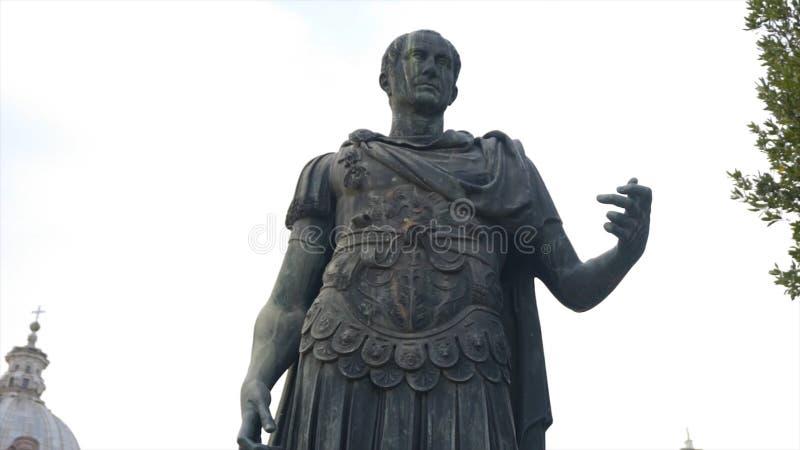 Monument antique en Europe Sculpture antique dans une de la ville de l'Europe barre Statue célèbre antique photographie stock
