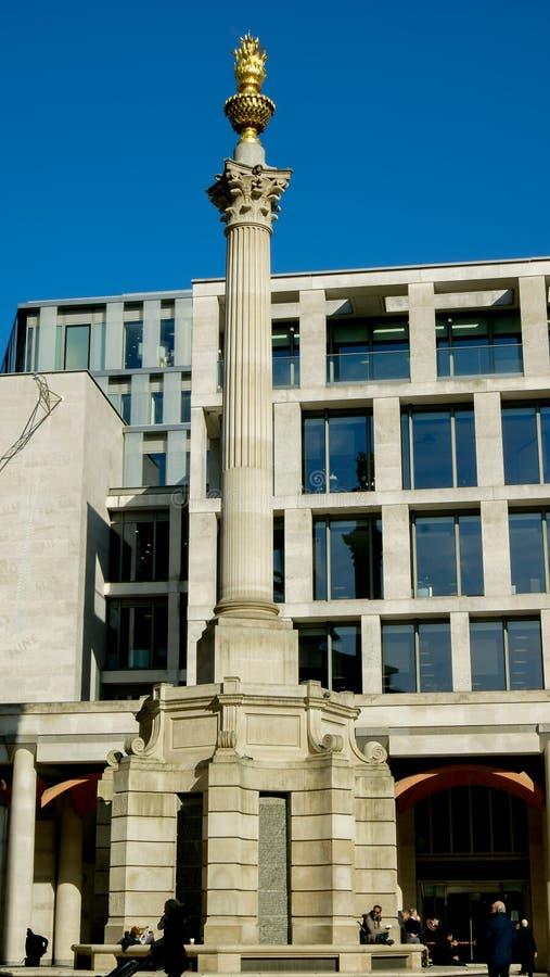Monument au grand feu de Londres images libres de droits