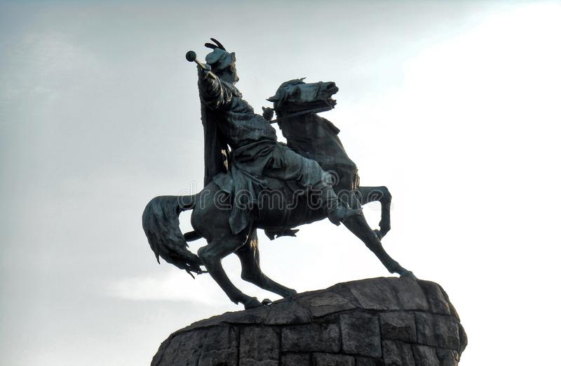 Monument au plan rapproché de Bogdan Khmelnitsky contre le ciel Kyiv, Ukraine photo libre de droits