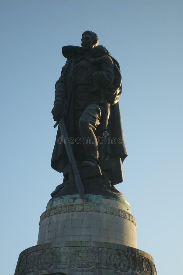 Monument au soldat photographie stock