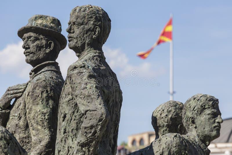 Monument av båtuthyrarna av Salonica i Skopje - Makedonien royaltyfri fotografi