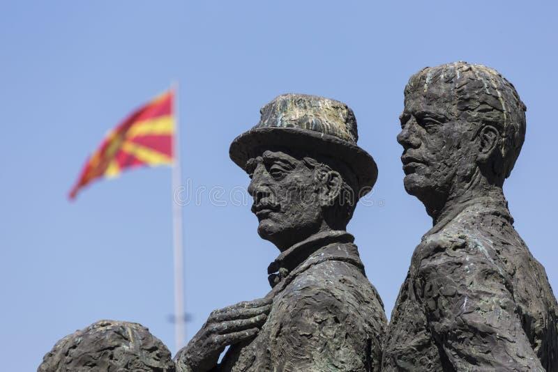 Monument av båtuthyrarna av Salonica i Skopje - Makedonien arkivbild