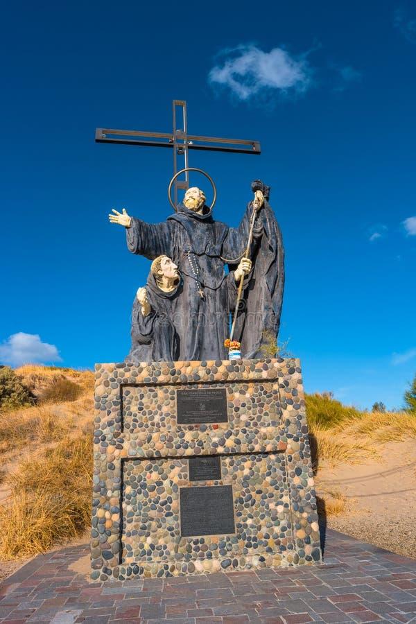 Monument av Francisco de Paola i Puerto Madryn, Argentina, Pata fotografering för bildbyråer