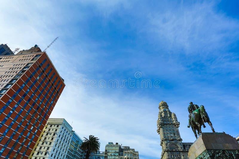 Monument av graven av general Artigas i Montevideo royaltyfri bild