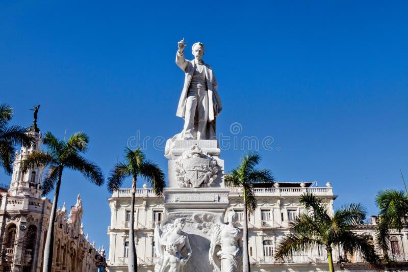 Monument av Jose Marti i Central Park, havannacigarr, Kuba royaltyfria foton