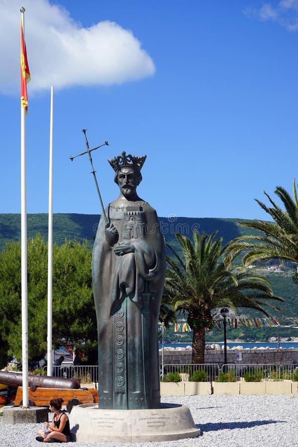 Download Monument Av Konungen Tvrtko I I Hamnstad I Staden Av Herceg Redaktionell Foto - Bild av palm, skulptur: 78728995
