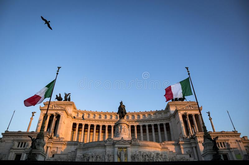 Monument av Victor Emmanuel: Altare della Patria fotografering för bildbyråer