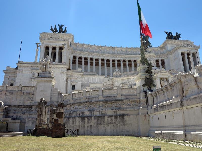 Monument av Victor Emmanuel: Altare della Patria, altare av fet royaltyfri fotografi
