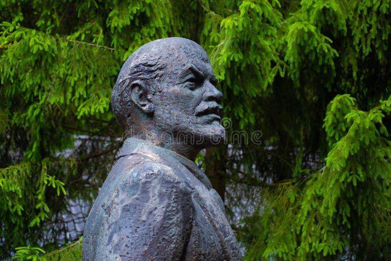 Monument av Vladimir Lenin arkivbild