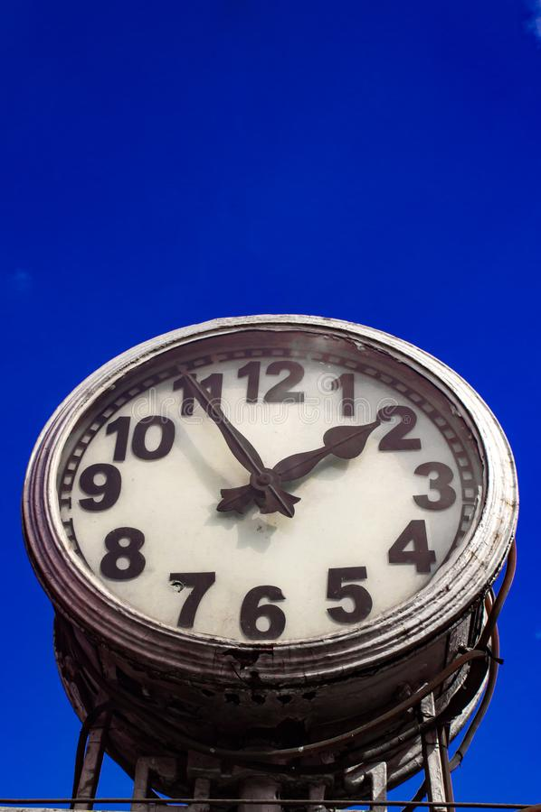 Monument d'horloge photographie stock libre de droits