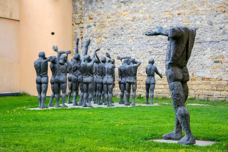 Monument dans le mémorial des victimes du communisme et de la résistance, Sighetu Marmatiei, Roumanie image stock