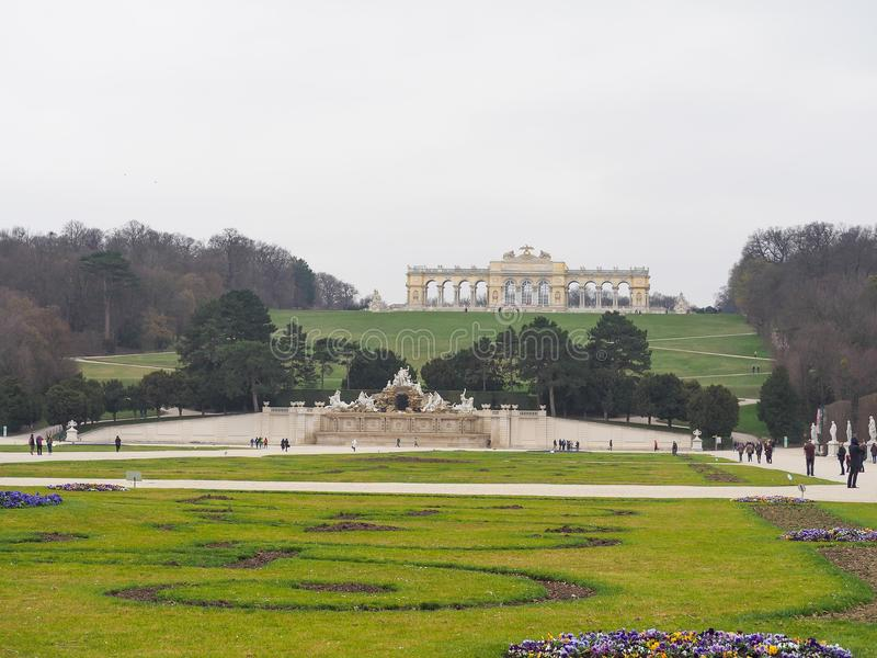 Monument dans le palais de Schunbrunn chez l'Autriche photographie stock libre de droits