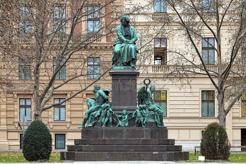 Monument de Beethoven sur la place de Beethovenplatz de Vienne, Autriche image libre de droits