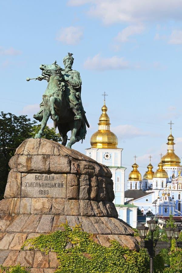 Monument de Bohdan Khmelnytsky sur la place de Sofia dans Kyiv, Ukraine photographie stock