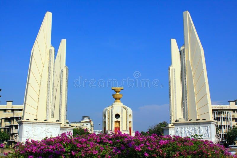 Monument de démocratie d'â de borne limite de Bangkok images libres de droits