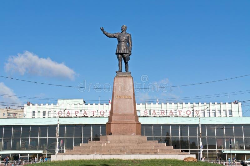 Download Monument De Felix Dzerzhinsky Vis-à-vis De Gare Ferroviaire Image éditorial - Image du ville, sculpture: 77153090