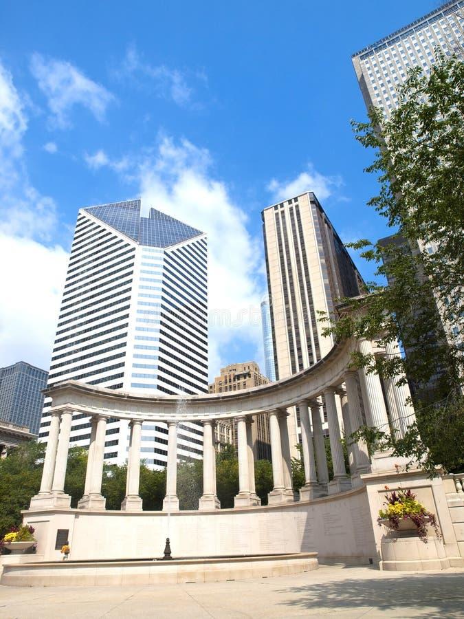 Monument de millénium en grand dos de Wrigley, Chicago images libres de droits
