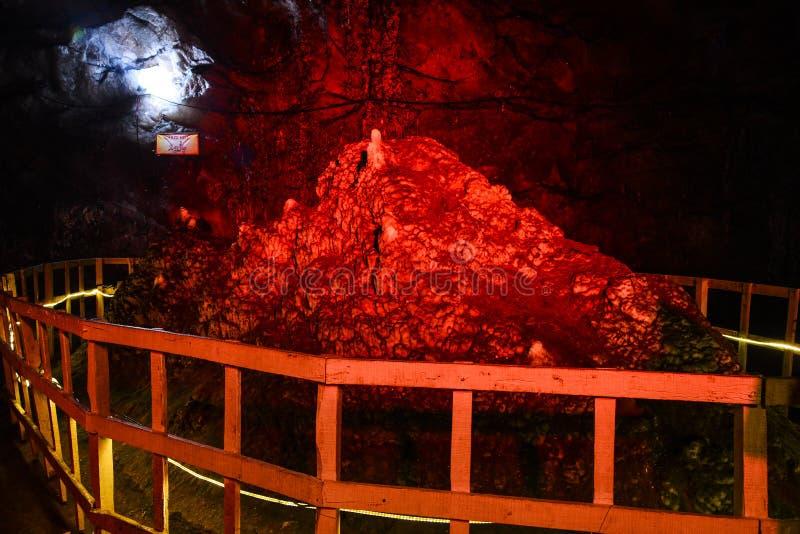 Monument de montagne de Chaaghi à l'intérieur du mien de Khewra photos libres de droits
