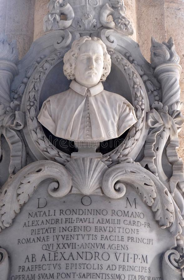 Monument de Natale Rondinini dans l'église de Santa Maria del Popolo, Rome images stock