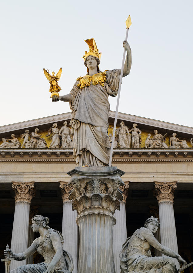 Monument de Pallas Athena devant le Parlement autrichien photo stock