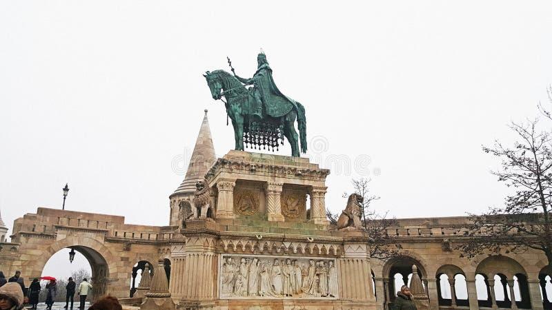 Monument de roi St Stephen à Budapest photographie stock