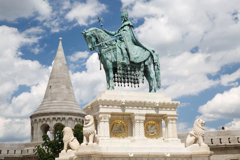 Monument de St Stephen - premier roi de la Hongrie en o avant images stock