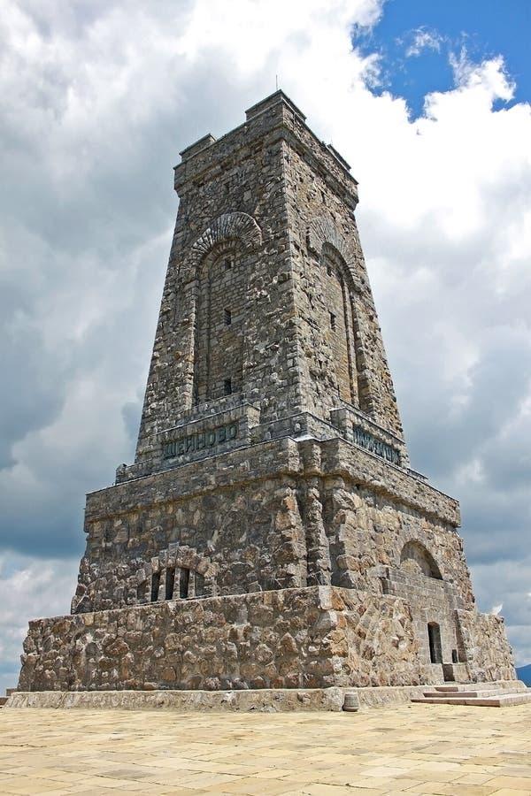Monument der Freiheit auf Shipka-Durchlauf in Bulgarien stockfotos
