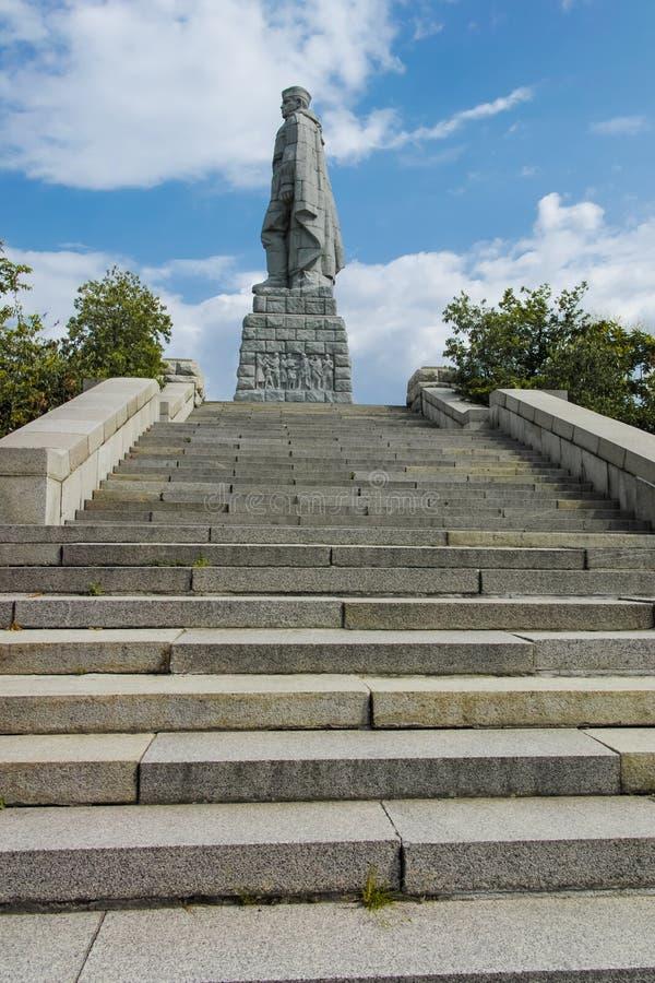 Monument der sowjetischen Armee bekannt als Alyosha in der Stadt von Plowdiw, Bulgarien stockfotografie