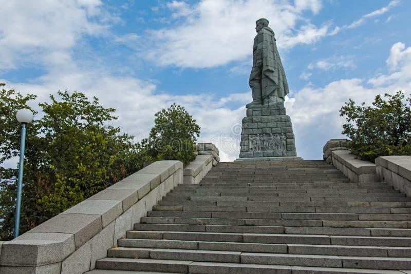 Monument der sowjetischen Armee bekannt als Alyosha in der Stadt von Plowdiw, Bulgarien stockfotos
