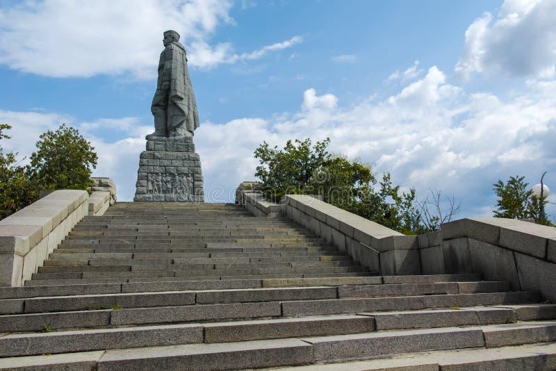 Monument der sowjetischen Armee bekannt als Alyosha in der Stadt von Plowdiw, Bulgarien lizenzfreie stockfotos