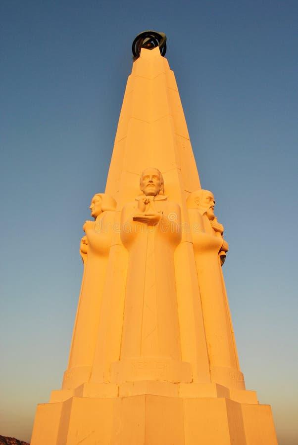 Monument du ` s d'astronome chez Griffith Observatory à Los Angeles photo stock