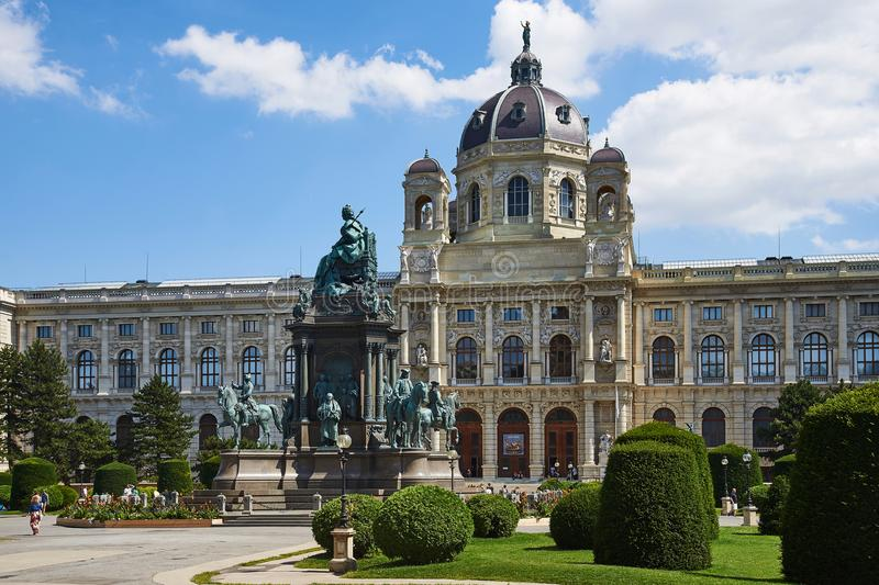 Monument en Museum van Beeldende kunsten, Maria-Theresian-Platz, Wenen royalty-vrije stock foto