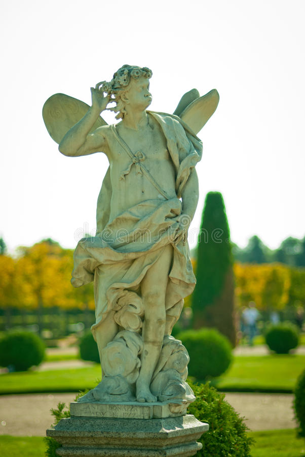 Monument en parc de Peterhof photographie stock
