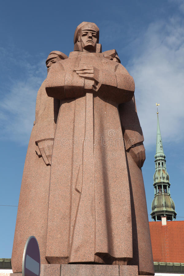 Monument för de lettiska riflemenna i Riga, Lettland arkivbilder