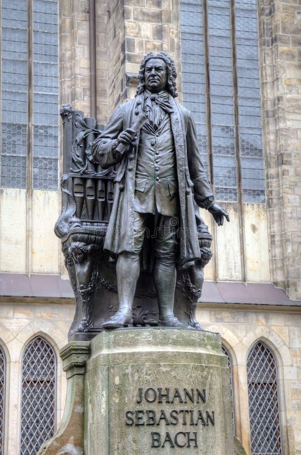 Monument för Johann Sebastian Bach framme av den Thomas kyrkan (Thomaskirche). royaltyfri fotografi