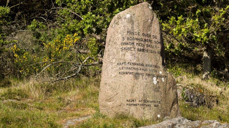 Monument för 3 sailers som dog på seglingskeppet Koebenhavn royaltyfria bilder