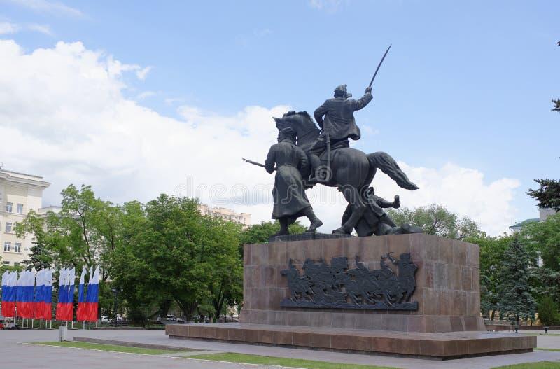 Monument` först av skicklig ryttare` - skulptör E Vucetich Hängivet till hjältarna av inbördeskriget, Rostov befriade från den vi royaltyfria foton