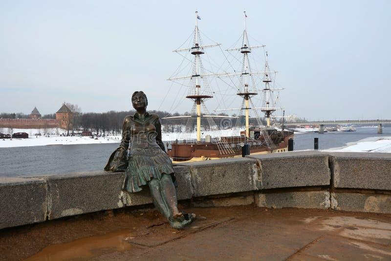 Download Monument, Genoemd Vermoeide Vrouwentoerist Redactionele Afbeelding - Afbeelding bestaande uit geschiedenis, gouden: 54085020