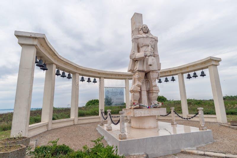 Monument gewijd aan Russische Admiraal F F Ushakov op Kaap Kalia royalty-vrije stock foto's