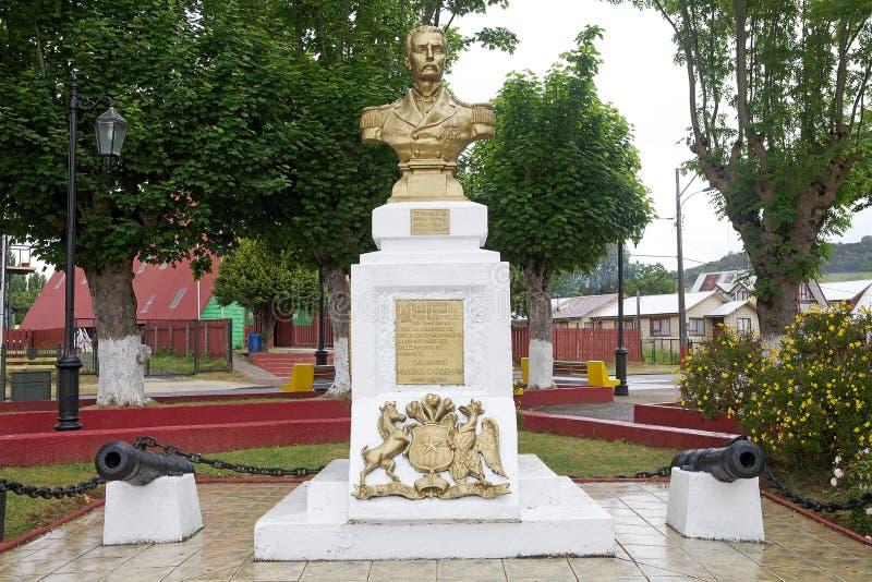 Monument i Curaco de Velez, Quinchao ö, Chile royaltyfria foton