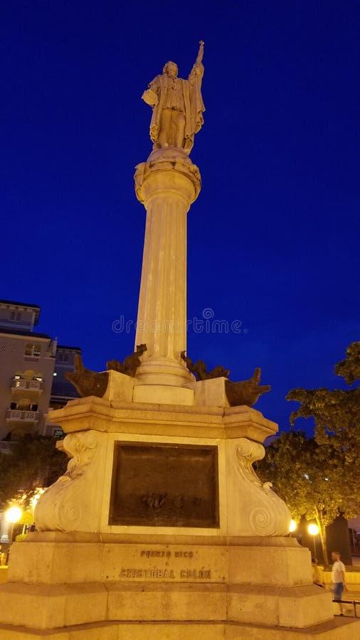 Monument i mitt av gamla San Juan Beautiful arkivfoto