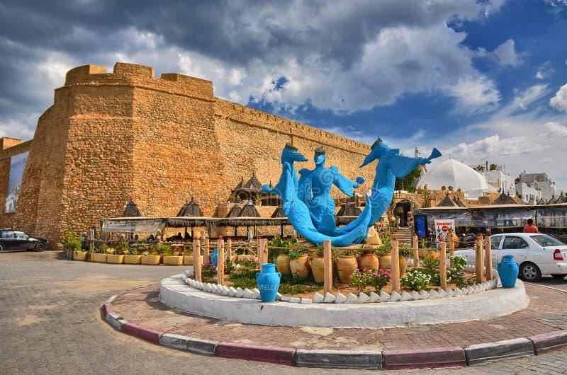 Monument 3 Meerminnen Sirenas dichtbij oude Medina, Hammamet, Tunis royalty-vrije stock foto's