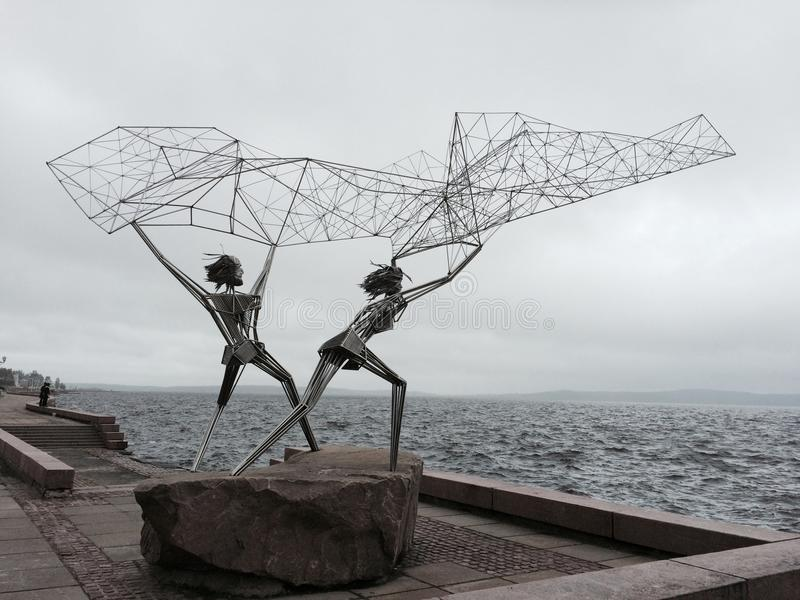 Monument mit zwei Fischern stockfoto