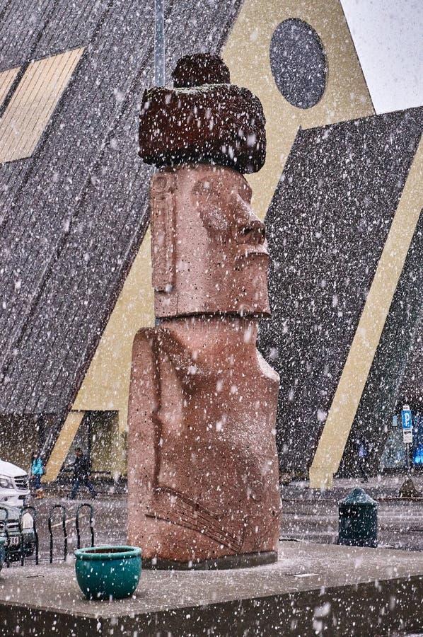Monument Moai van Pasen-Eiland Chili tijdens een sneeuwonweer stock fotografie