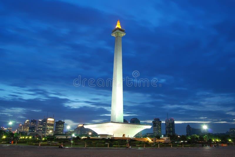 monument national avec le ciel bleu images libres de droits
